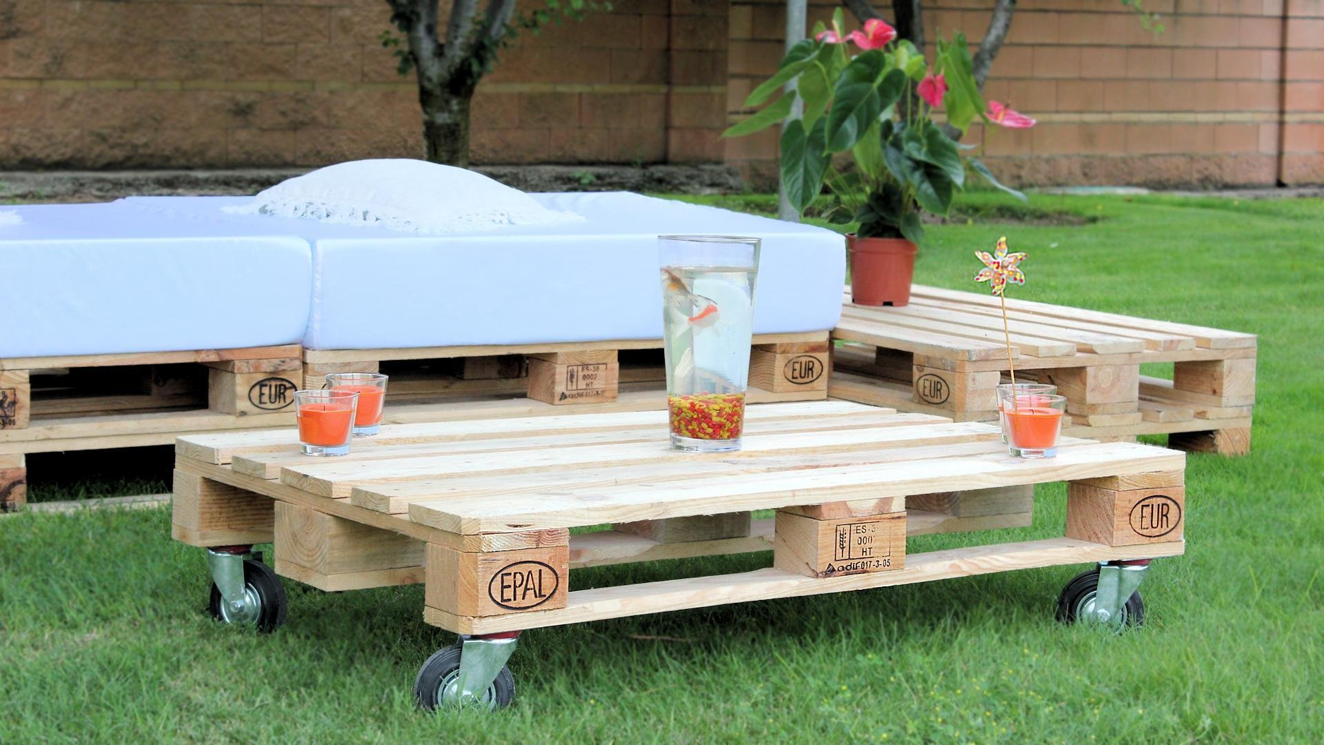 Chill out de palets for Decoracion palets jardin