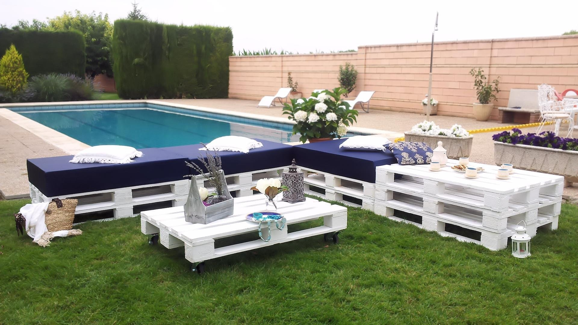 Chill out blanco de palets - Palets decoracion terraza ...